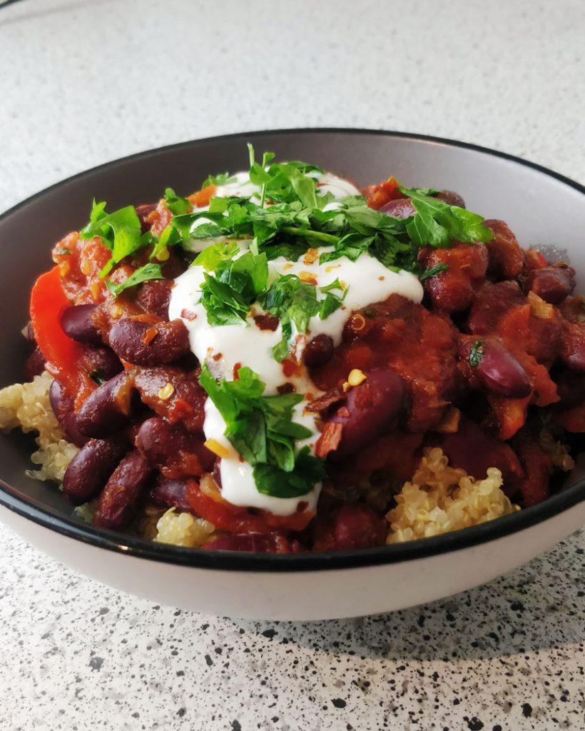 Kidneybohnen-chili-mit-quinoa